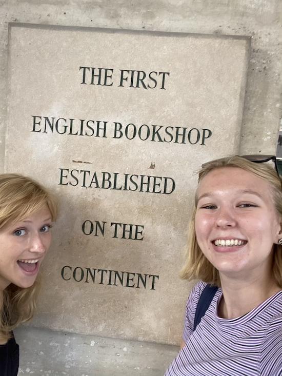 Sophia and Kiya in front of Librairie Galignani