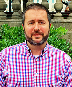 Staff_Bio_Spring20_BCN-Enric-Figaroas